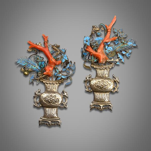 5. A pair of Chinese silver and kingfisher feather appliques